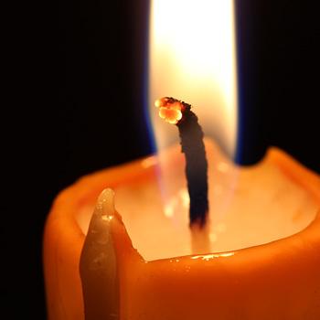 Chaque bougie a une longueur de flamme idéale à ne pas dépasser pour éviter de polluer l'air de son logis